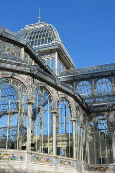 Palacio de Cristal. Madrid, España. via the Suitcase Lioness blog. Photo credit .:. Amy Lucas