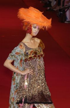 Christian Lacroix Fall 2002, I thought this was a painting for the first few seconds I saw....