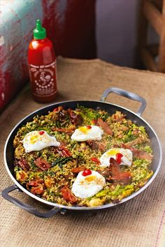 Korean stir-fried rice by Jamie Oliver Stir Fried Rice Recipe, Stir Fry Rice, Asian Recipes, Beef Recipes, Cooking Recipes, Ethnic Recipes, Rice Recipes, How To Cook Rice, Middle Eastern Recipes