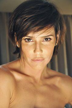2012 - 09 Deborah Secco nov cabelo cabelo curto setembro - 01