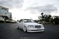 BENZTUNING: Mercedes-Benz W202 with CLS wheels