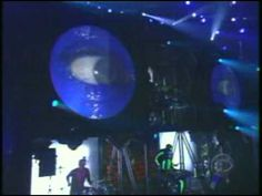 Spectacular performance by Moby, Jill Scott & Blue Man Group - Live Grammy Awards 2001.