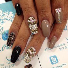 #ShareIG   by @oleidys_naillounge #nails #nailbar #naillounge