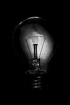 ...kommt von irgendwo ein Lichtlein her. by Nicolas A. Marczinowski