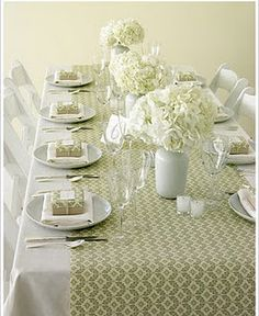 Wrapping paper runner....guest gifts wrapped to match makes for a really simple table set up.