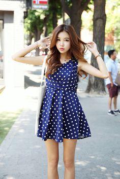 Dot Shirring Sleeveless Dress
