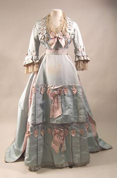 Dress 1873, British, Made of silk, satin, and cotton