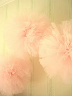 (via I Want to Party All the Time / tulle pom poms.)