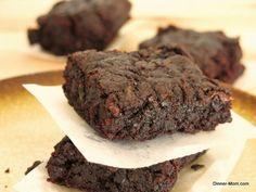 Chocolate Zucchini Brownies | www.dinner-mom.com | #zucchini #vegan #brownie