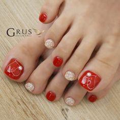Pedicure Essentials and Designs Pedicure Designs, Pedicure Nail Art, Toe Nail Designs, Acrylic Toe Nails, Toe Nail Art, Feet Nail Design, Pretty Toe Nails, Nice Nails, Queen Nails