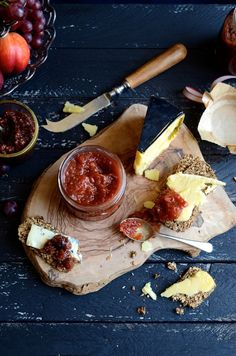 Sweet chilli tomato jam # Preserves #bibbyskitchen #recipes #sweetchillijam #ediblegifts #homemadepreserves #tomatoes #condiments #spicy #chillijam #recipedeveloper #joburgfoodblog #naturasugars