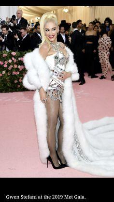 Gwen Stefani, Formal Dresses, Fashion, Dresses For Formal, Moda, Formal Gowns, Fashion Styles, Formal Dress, Gowns