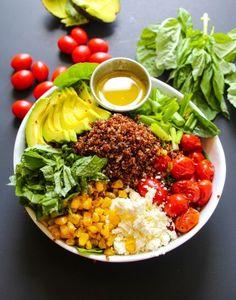 Farmer's Market Vegetarian Quinoa Cobb Salad - Layers of Happiness Green Salad Recipes, Healthy Salad Recipes, Healthy Snacks, Vegetarian Recipes, Healthy Eating, Stop Eating, Clean Eating, Chicken Honey, Cream Lemon