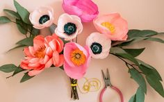 paper flower tutorial Today we have such an exciting and creative DIY project from paper flower maven Rachael over at Appetite Paper. Shes stopping by to show us how to create thi Faux Flowers, Diy Flowers, Flower Decorations, Fabric Flowers, Handmade Flowers, Tissue Paper Flowers, Flower Paper, Paper Bouquet, Diy Papier