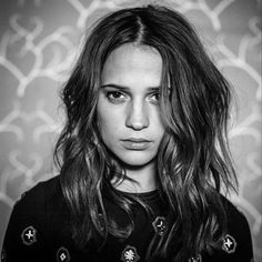 """Polubienia: 72, komentarze: 2 – Alicia Vikander (@aliciavikander.fr) na Instagramie: """"WILD - Do you have some good songs ? • • • #aliciavikander #alicia #vikander #vikassy…"""""""