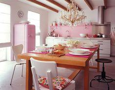 Küche mit charmantem Stilmix - Wände in Frühlingsfarben 7 - [SCHÖNER WOHNEN]