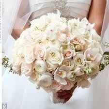 Bildergebnis für white wedding flowers bridal bouquet