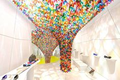 American design studio SoftLab attached translucent flowers to create this fantastic installation for Melissa's New York flagship store. Flower Installation, Ceiling Installation, Artistic Installation, Art Installations, Melissa Shoes, Shoe Gallery, Co Working, Retail Space, Shop Plans
