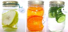 How To Make Homemade Flavored Vodkas - fantastic ideas for Christmas pudding, orange, skittles and chocolate vodka presents Flavored Alcohol, Infused Vodka, Alcohol Recipes, Homemade Christmas Gifts, Homemade Gifts, Holiday Gifts, Diy Gifts, Christmas Drinks, Christmas Pudding