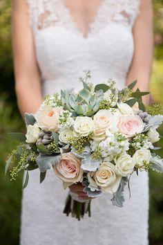 pretty rose and succulent bouquet | Bridal Musings