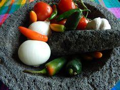 Salsa de Jitomate y Chiles Asados al Molcajete.  Receta de salsa molcajeteada de jitomate y chiles tostados.  Sabores tradicionales de Mexico en esta riquisima salsa para tacos, sopes y quesadillas.  Autentica de Jauja Cocina Mexicana, a su familia. Buen provecho!  Mil gracias por suscribirse https://www.youtube.com/user/JaujaCocinaMexicana Facebook https://www.facebook.com/JaujaCocinaMexicana Twitter https://twitter.com/JaujaCocinaMex
