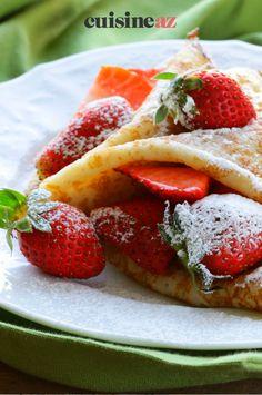 Dans cette recette de crêpes à la confiture de fraises, la pâte est un mélange de farine de sarrasin et de farine de froment. #recette#cuisine#confiture#fraise #sarrasin #patisserie #chandeleur #crepes #crepe Scones, Pancakes, French Toast, Breakfast, Food, Buckwheat, Strawberries, Pancake Day, Waffles
