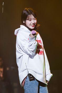 171210 Palette Concert in Seoul Day 2 Cr: Baemal Lee Joo Young, Iu Fashion, Korean Bands, Kpop, Korean Women, Korean Singer, Asian Beauty, My Idol, Cool Girl