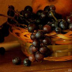 Last Bunch of Grapes     Strawberry Grape / Uva fragola