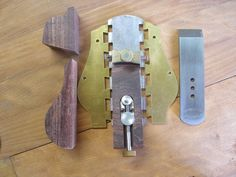 It is very easy to komplete a wonderfull plane from a plane kit. This are the main parts of which the kit is consisting off. At first the tails of the side plates are very tight inserted in the sol… Woodworking Hand Planes, Antique Woodworking Tools, Woodworking Projects, Belt Grinder Plans, Ancient Music, New Technology Gadgets, Wood Plane, Homemade Tools, Emergency Preparedness