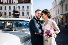 Rynek w Rzeszowie - sesja ślubna    www.BialeKadry.pl    #fotografia #ślubna #fotograf #ślubny #zdjęcia #ślubne #para #pan #pani #młoda #młody #rzeszów #kraków #małopolska #nowy #sącz #targ #plener #ślubny #ślub #wesele #sesja #szczęście