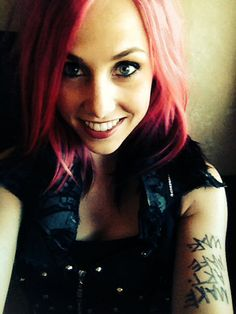 Hello my names Ariel! And I'm the lead singer for a band called icon for hire! I'm single but looking come say hi!!