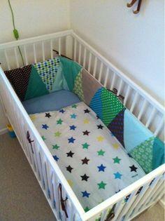 Savværksvej: Ny sengerand og en stor dreng. Diy Baby, Baby Sewing, Baby Room, Baby Kids, Toddler Bed, Villa, Furniture, Home Decor, Board