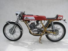 custombikecollector:  custom bike collector