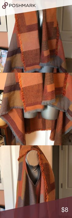 Mudd Shawl In excellent preowned condition. Mudd Sweaters Shrugs & Ponchos