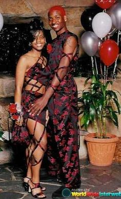 The Most Awkward Prom Photos to Ever Exist
