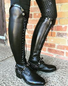 #EquestrianApparel gorgeous front laced black riding boots