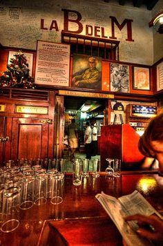 Pour frimer à « La Bodeguita del Medio », le bar où Hemingway venait siroter ses cocktails.