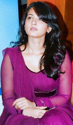 Edge of sexiness Cute Beauty, Beauty Full Girl, Beauty Women, Beautiful Girl Indian, Most Beautiful Indian Actress, Actress Anushka, Tamil Actress, Indian Celebrities, Female Celebrities