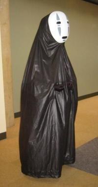 Spirited Away: Noface at anime cosplay otakon 2003 Cosplay Dress, Cosplay Outfits, Cosplay Costumes, Anime Cosplay, Family Costumes, Cool Costumes, No Face Costume, Spirited Away Cosplay, Halloween Cosplay