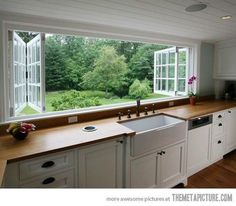 Houzz - Home Design, Decorating and Remodeling Ideas and Inspiration, Kitchen and Bathroom Design windows glass Big Kitchen, Country Kitchen, Kitchen Decor, Updated Kitchen, Kitchen Sink, Kitchen Interior, Kitchen Ideas, Estilo Hampton, Home Design