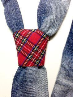 cravatta originale Tie, Fashion, Elegant, Moda, Fashion Styles, Cravat Tie, Ties, Fashion Illustrations