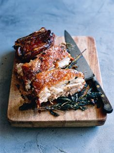 For years I couldn't handle pork, now I LOVE it, esp. crackling, and boy I wish I didn't...  and the crackling on this roast pork belly with sage looks amazing!