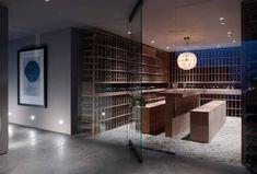 Best interior for wine cellar Caves, Home Wine Cellars, Wine Tasting Room, Tasting Table, Bar A Vin, Wine Cellar Design, Wine Display, Modern Pools, Wine Wall
