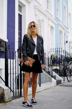 Mini black skirt+ white t-shirt + sneakers