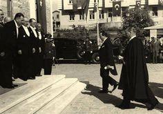 Cumhuriyetimiz öyle zannolunduğu gibi zayıf değildir. Cumhuriyet bedava da kazanılmış değildir. Bunu elde etmek için kan döktük. Her tarafta kırmızı kanımızı akıttık. İcabında müesseselerimizi müdafaa için lâzım olanı yapmağa hazırız. MUSTAFA KEMAL ATATÜRK 1923 (Atatürk'ün S.D. III, S. 71)