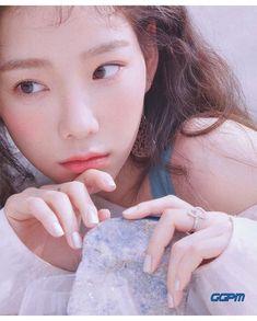 Taeyeon for Nylon Korea March 2019 Issue. Snsd, Sooyoung, Yoona, South Korean Girls, Korean Girl Groups, Girls' Generation Taeyeon, Kim Tae Yeon, Korean Celebrities, Krystal