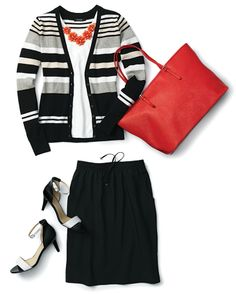 #fashion tip: a bright statement necklace and tote bag perk up a black-and-white #outfit