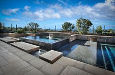 Negative edge spa with water feature