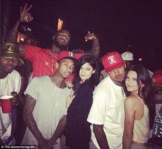 Chris Brown Apologizes to Kendall and Kylie Jenner For slamming Caitlyn Jenner Kylie Jenner Engaged, Kendall Jenner Dating, Kendall And Kylie Jenner, Breezy Chris Brown, Bruce Jenner, Just Beautiful Men, Cute Friends, Kardashian Jenner, Boss Lady