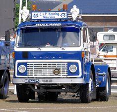 Alle Größen   1971 Volvo F86 34S   Flickr - Fotosharing! Volvo Cars, Volvo Trucks, Pickup Trucks, Cool Trucks, Big Trucks, Old Lorries, Car Camper, British Rail, Vintage Classics